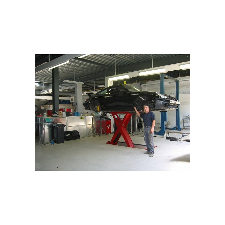 Carrosserie chassis blackhawk auto garage uitrusting tae for Mister auto garage partenaire